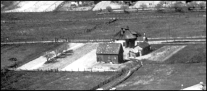 Earliest photo of Octagonal House (1931 McCully aerial)