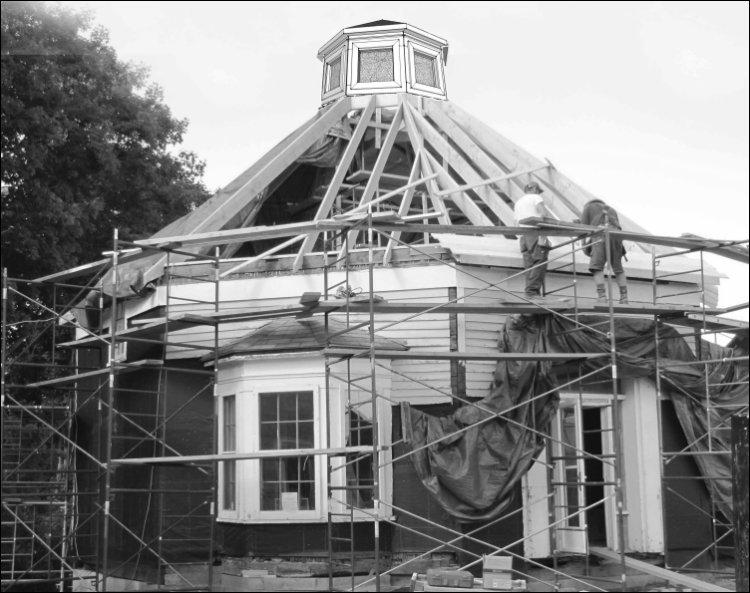 Construction of new roof with new reconstructed cupola